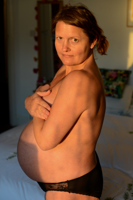 Unusual & Natural Pregnancy & Maternity Photoshoots in Brighton Hove & Sussex